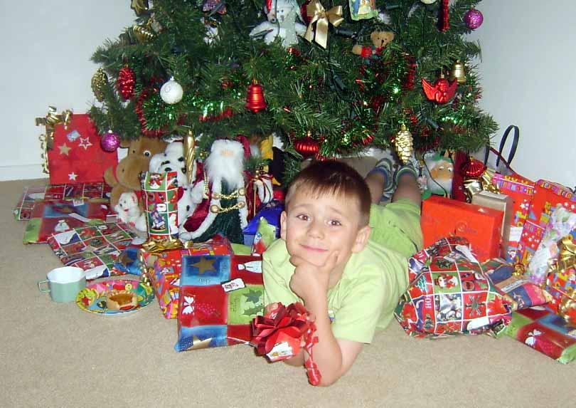 Новогодние подарки для ребенка 2 лет 33